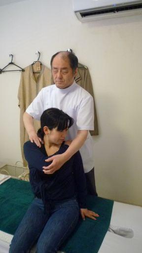 患者 井上様 施術写真 高知市桟橋通 マッサージ 指圧 鍼治療院・サロン あんま、鍼、灸てあて所